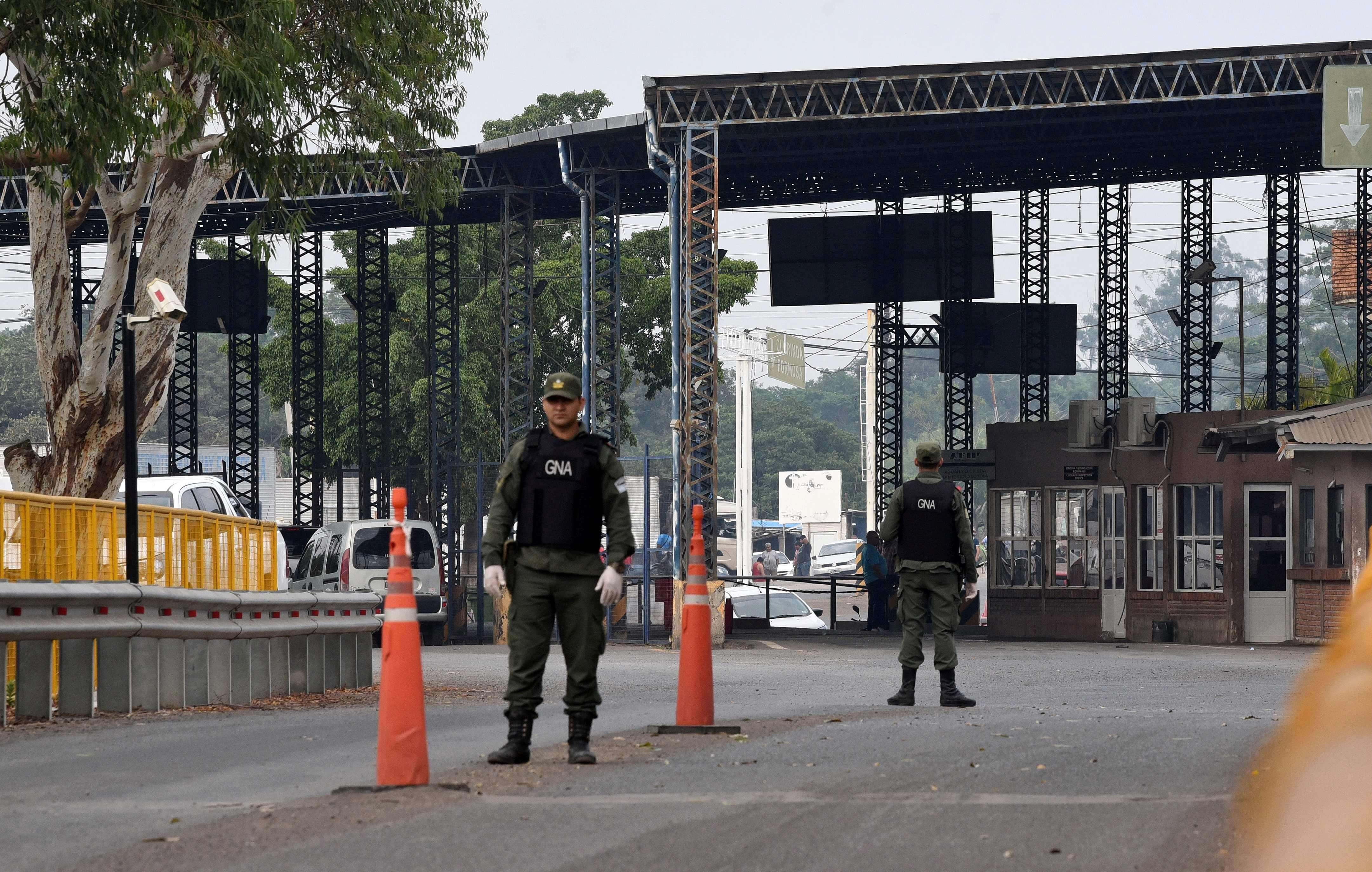The Government closed the borders. (Photo: AFP).