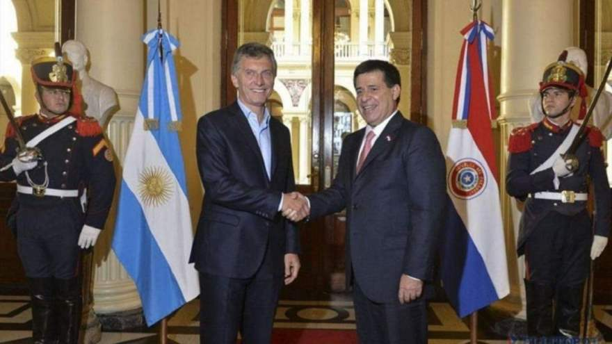 A few days ago, Macri traveled to Paraguay to meet with the president of that country.