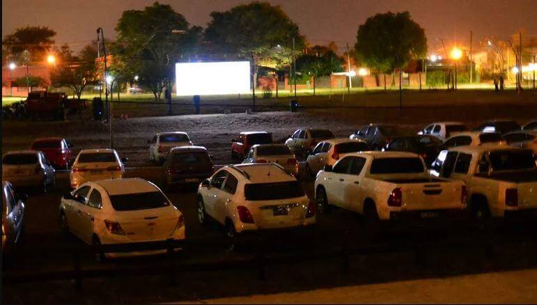 Corrientes was one of the first provinces to enable the drive-in theater, which operates at the Club Boca Unidos. (Photo: Courtesy of El Litoral)